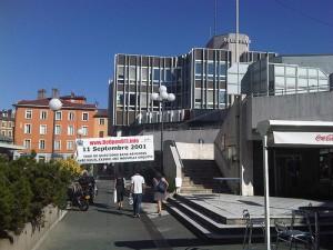 Banderole de ReOpen911 en Mars 2011 à Grenoble