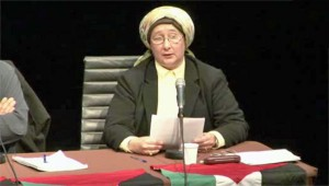 Hassadah Borreman à la tribune du Parti-Anti-Sioniste
